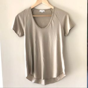 Aritzia Wilfred light brown t-shirt - Size Small